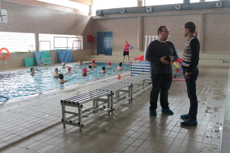 La piscina municipal de salobre a ampl a sus horarios for Piscina municipal de granada